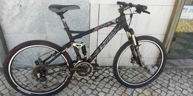 Bicicleta Astro Suspensão total e Kuer Piek
