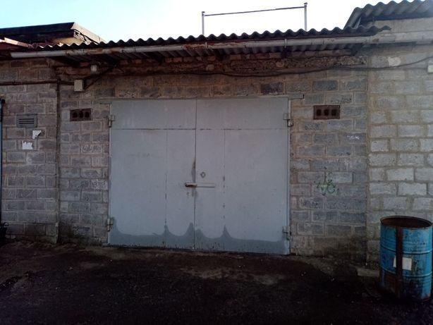 Продам гараж на Лазурном