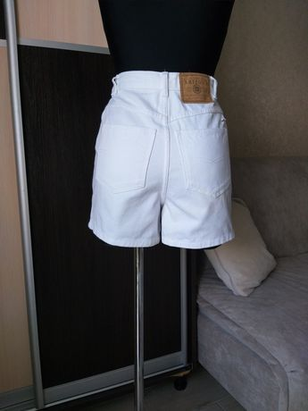 Джинсовые шорты.  Стильные