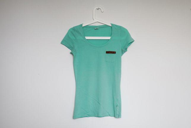 Miętowa bluzka z kieszonką