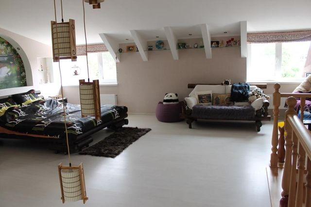 Продам двухуровневую квартиру 82 кв.м с ремонтом в живописном Ворзеле.