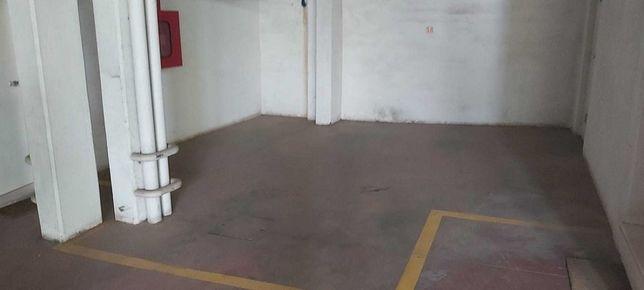 Lugar de garagem Evora