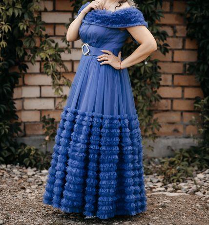 Продам вечірню сукню.Дуже гарний колір