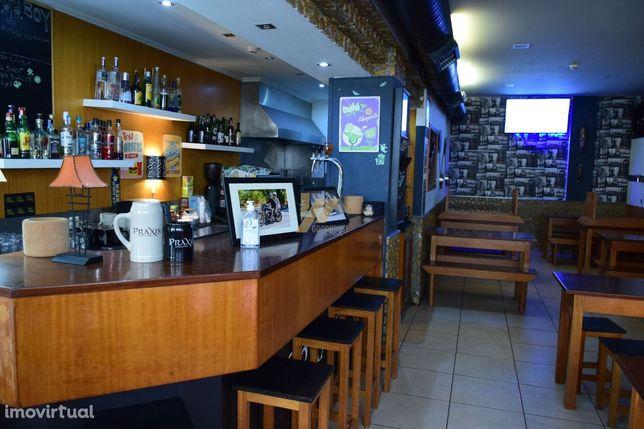 Bar completamente equipado na Praia de Esmoriz