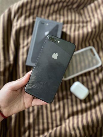 Продам IPhone 8 плюс
