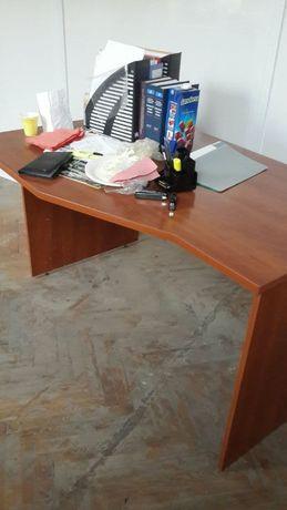 Продается мебель для офиса и дома.