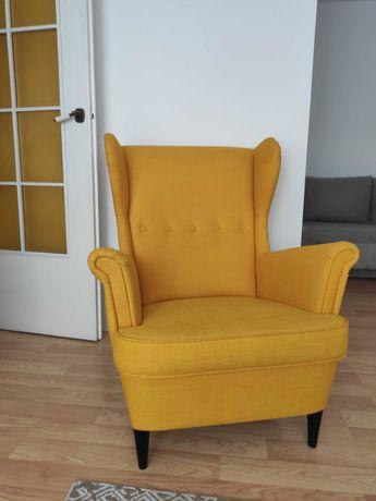 fotel IKEA uszak STRANDMON fotel Skiftebo żółty