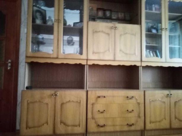 Стенка мебель в хорошем состоянии