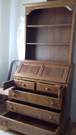 escrivaninha, comoda e estante