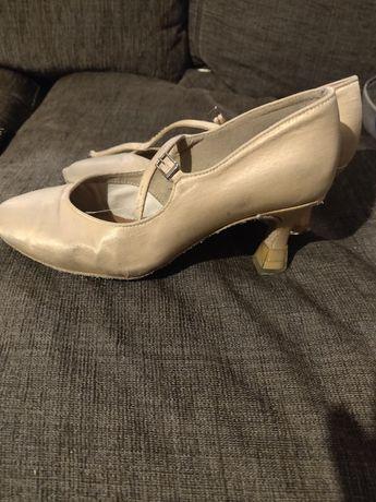 Buty taneczne do standardu
