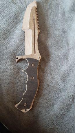 Кльовой ножик з дэрива