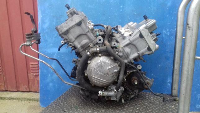 Motor honda vfr 800