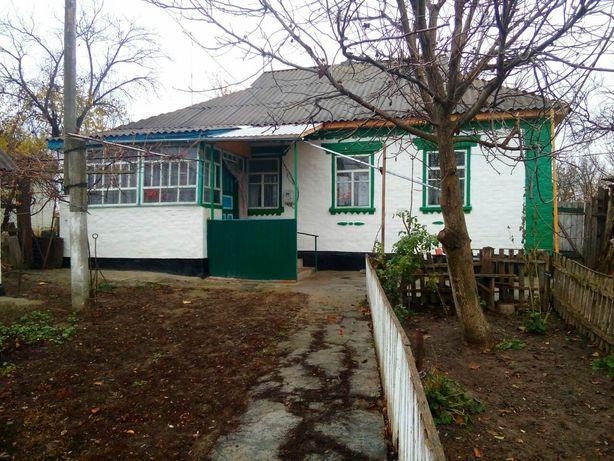 В селі Іваньки Маньківського району продається хата