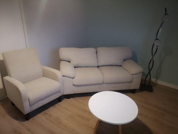 Wypoczynek z fotelem plus lampa