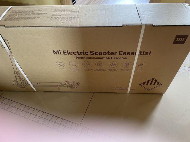 Nowa hulajnoga elektryczna Xiaomi Mi Electric Scooter Essential