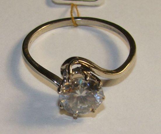 Pierścionek białe złoto próby 585 moissanit 1,35 ct.