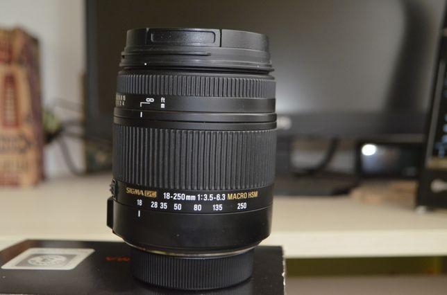 Sigma AF 18-250mm f/3.5-6.3 DC OS HSM Macro Nikon.