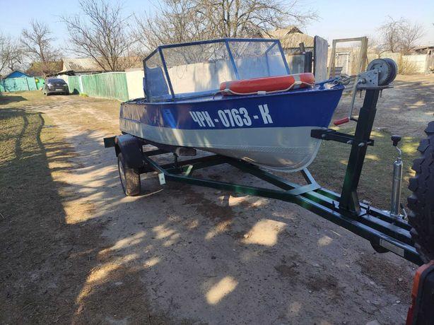 Лодка МКМ с мотором и лафетом