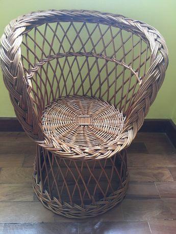 Cadeira de criança em verga