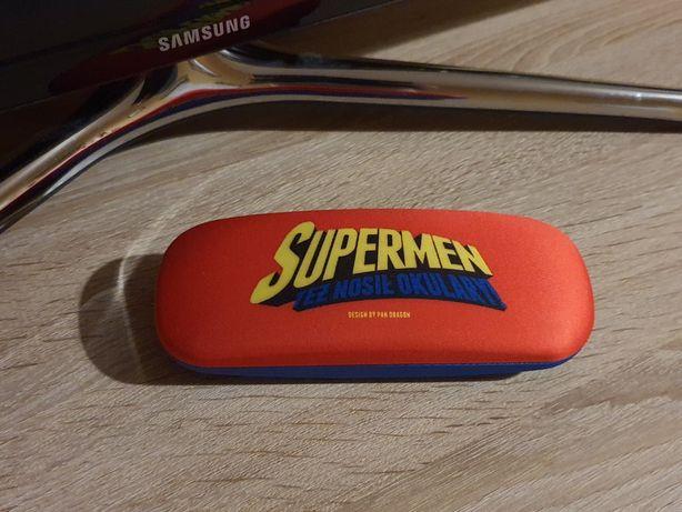 SUPERMAN etui na okulary. Supermen też nosił okulary. Pan Dragon