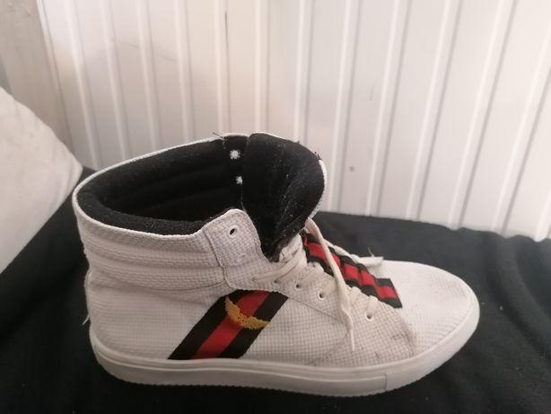 Oryginalne buty Duffa w rozmiarze 43