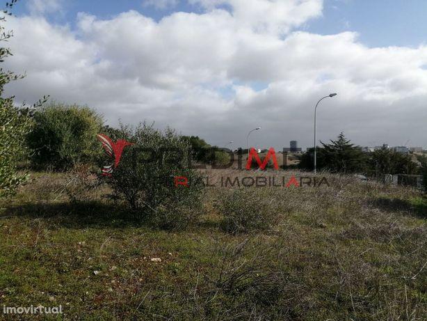 Terreno para construção em Oeiras