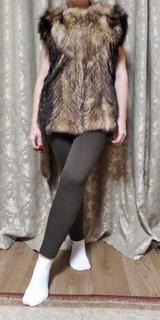 Женская жилетка из волка