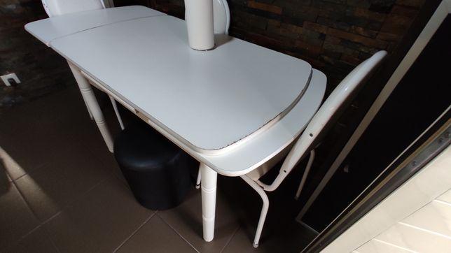 Mesa extensível mais 3 cadeiras
