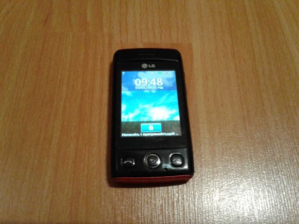 Сенсорный телефон LG в хорошем состоянии