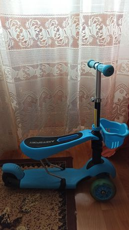 Самокат с сидением отвалилось колесо нужно просто замінить подшипники!