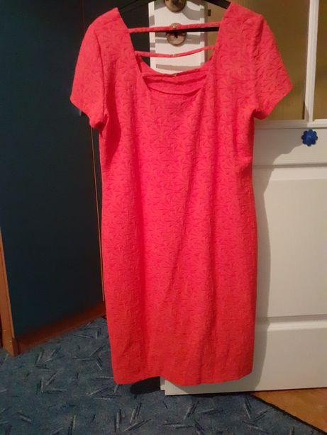 Sukienka malinowa rozmiar 46