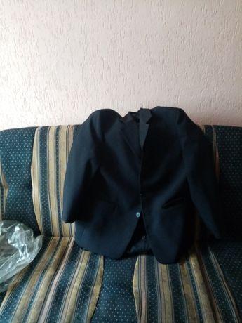 Sprzedam garnitur rozmiar marynarki XL