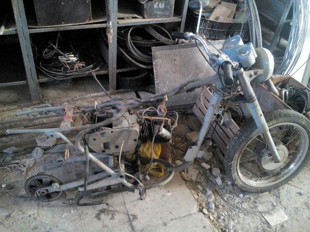 Продам Чізету 350 6 v з доками потребує заміни колінвалу або ремонт