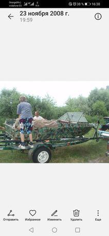 Лодка Крым с лафетом. Комуфляж.