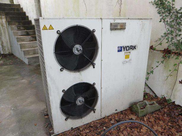 Chiller - bomba de calor ROCA York- para peças