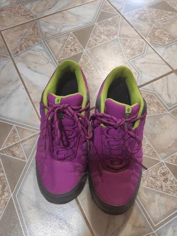 Женские кроссовки (ботинки). Columbia