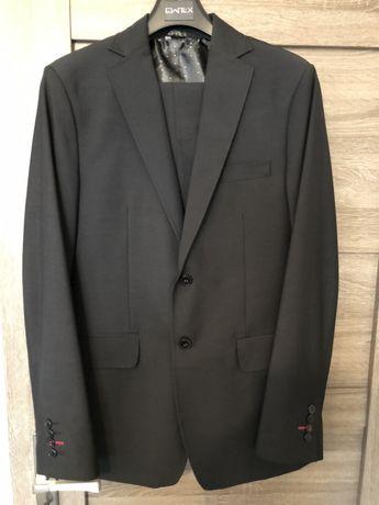Czarny garnitur męski EWTEX