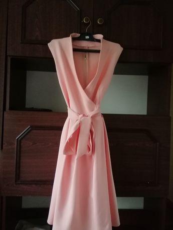 Сукня, розмір м, одягалась один раз