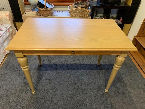 stół drewniany. dł 120 x szer. 70 x wys. 85 cm