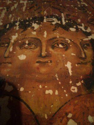 Красивая фреска херувим