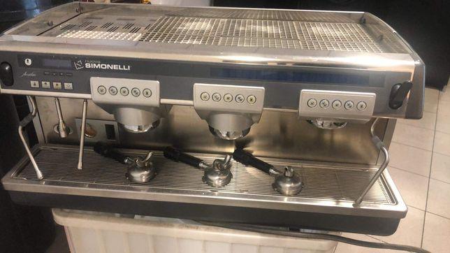 Ekspres do kawy Simonelli Nuova + młynek do kawy