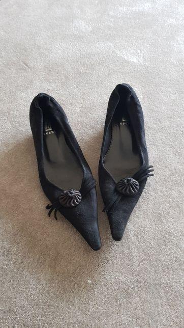 Sapatos pretos camurça salto baixo tam. 36 - OFERTA DE PORTES