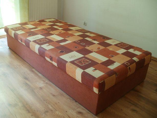 Łóżko jednoosobowe