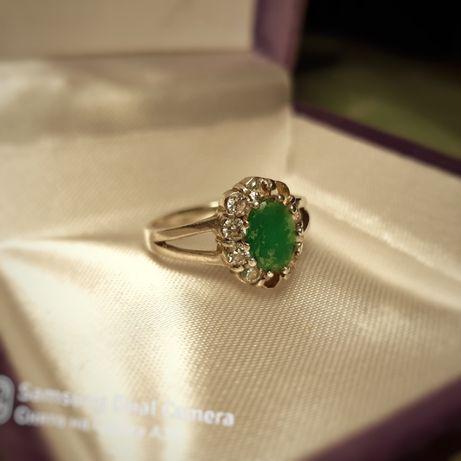 Женское серебряное кольцо с агатом