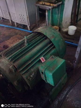 Электродвигатель 75кВт 1000 об/мин промышленный в хорошем состоянии