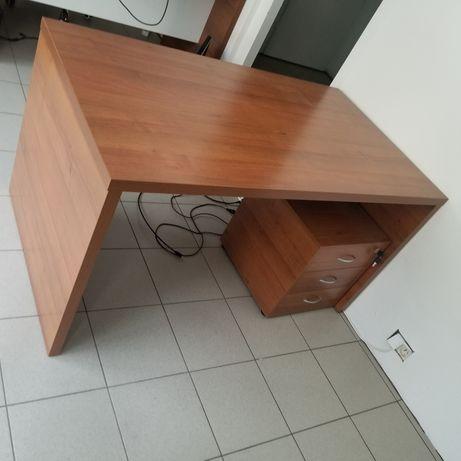 Sprzedam biurka 140x80 biurko do biura 3 sztuki meble biurowe PZU