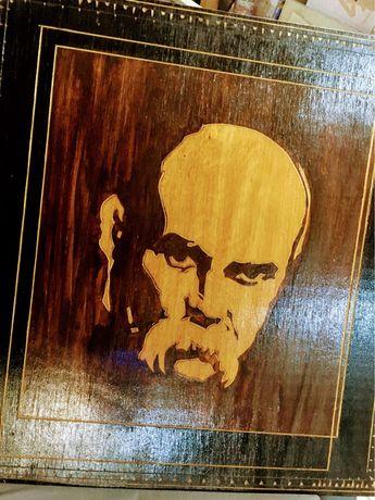 Картина резьбовая Т.Г. Шевченко с воронами на обратной стороне
