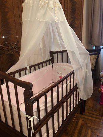 Дитяче ліжечко з натурального дерева та матрац з кокосовою стружкою