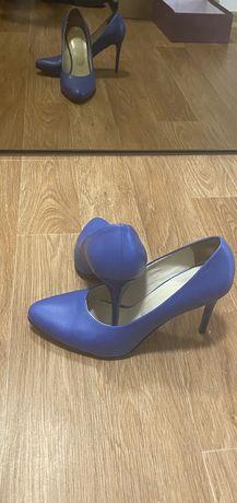 Туфлі синій польща