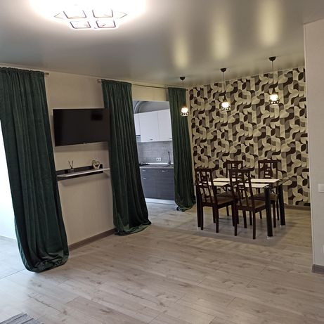 Сдам 2-х комнатную люкс квартиру